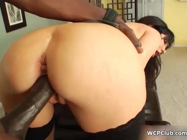 Teen strips and gives blowjob