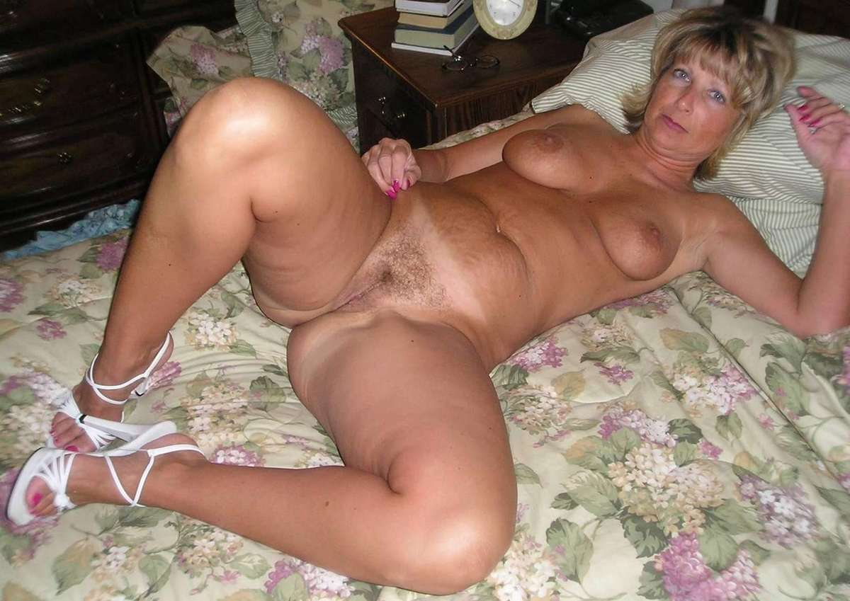 Skinny young nude girls
